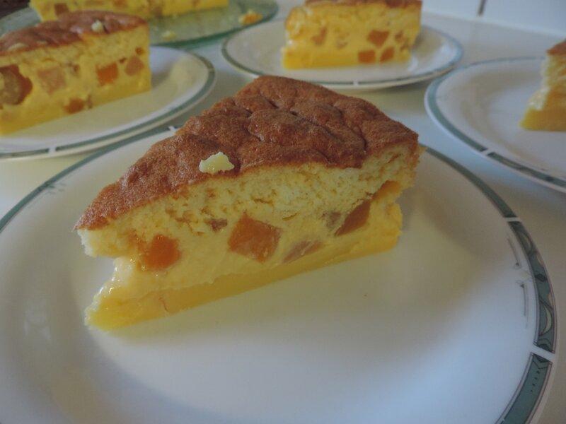Gâteau magique aux fruits (14)