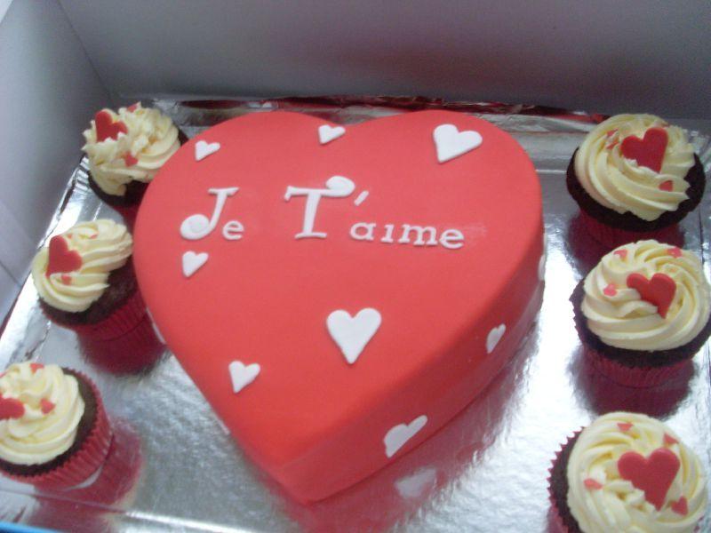 G teau st valentin julia 39 s wedding cakes - Repas d anniversaire en amoureux ...