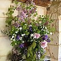 Pivoines , iris , lilas .