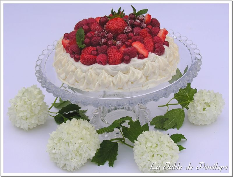 Pavlova_fruits_rouges_1