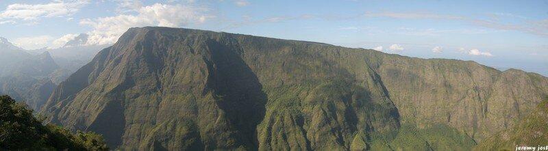 Entrée de Mafate , île de la Réunion