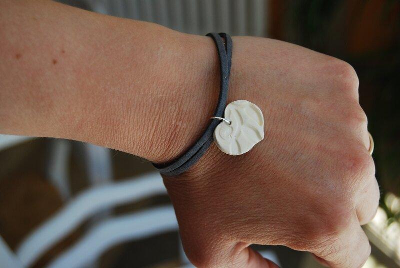 bracelet daim gris (dispo)