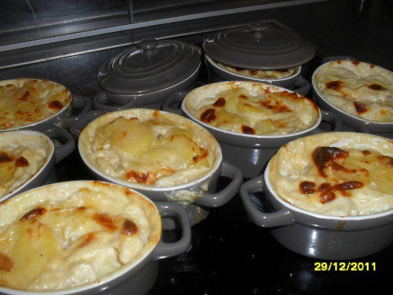 Mini-cocottes de gratin de pommes de terre au reblochon