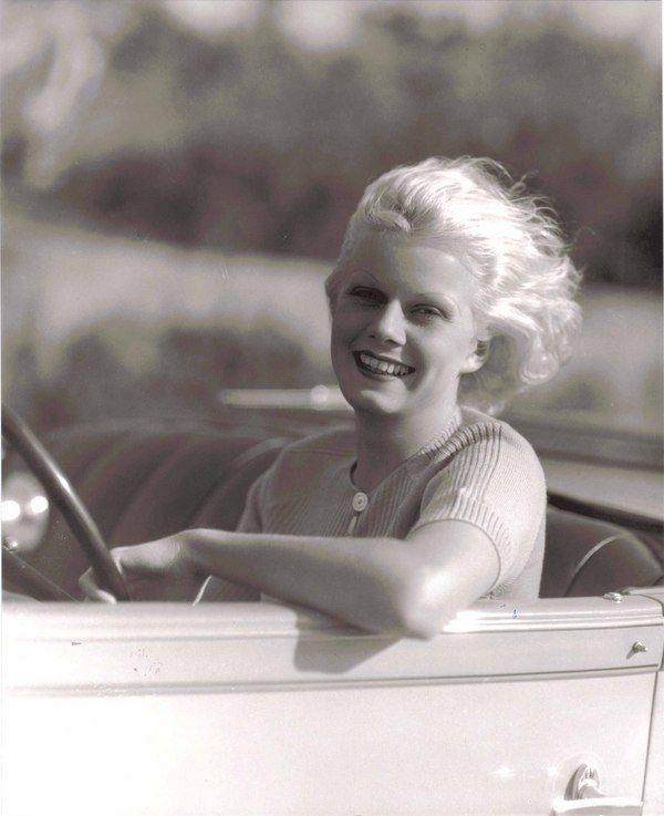 jean-1930-portrait-car-2