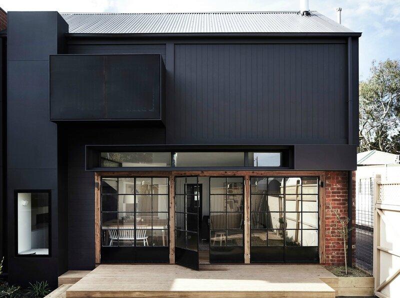 noir dehors façade extérieurs jardin (1)