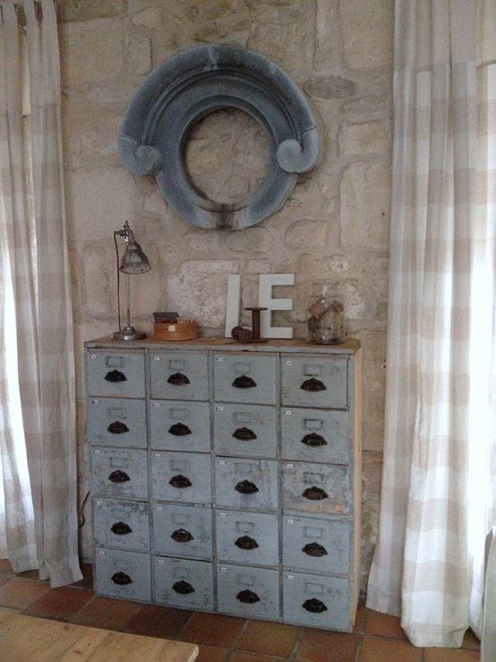 Mon meuble tiroirs maison de famille for Meuble a plusieurs tiroirs