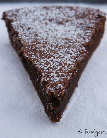 flourless_chocolate_cake_03
