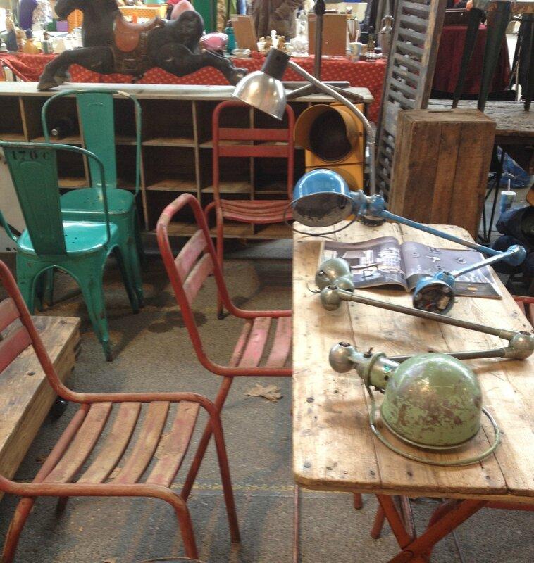 détail table lampes jieldé