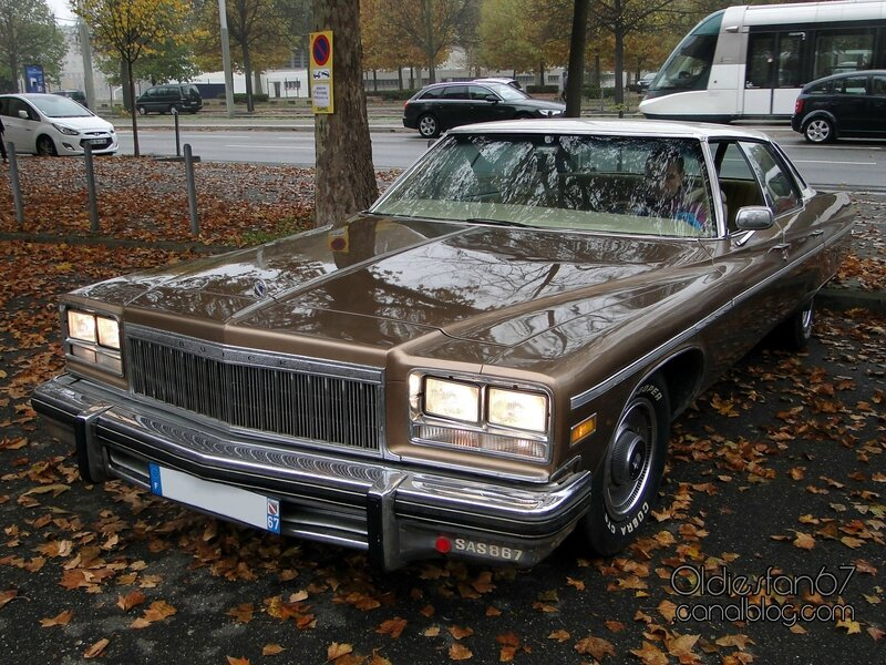 buick-electra-225-limited-sedan-1976-01