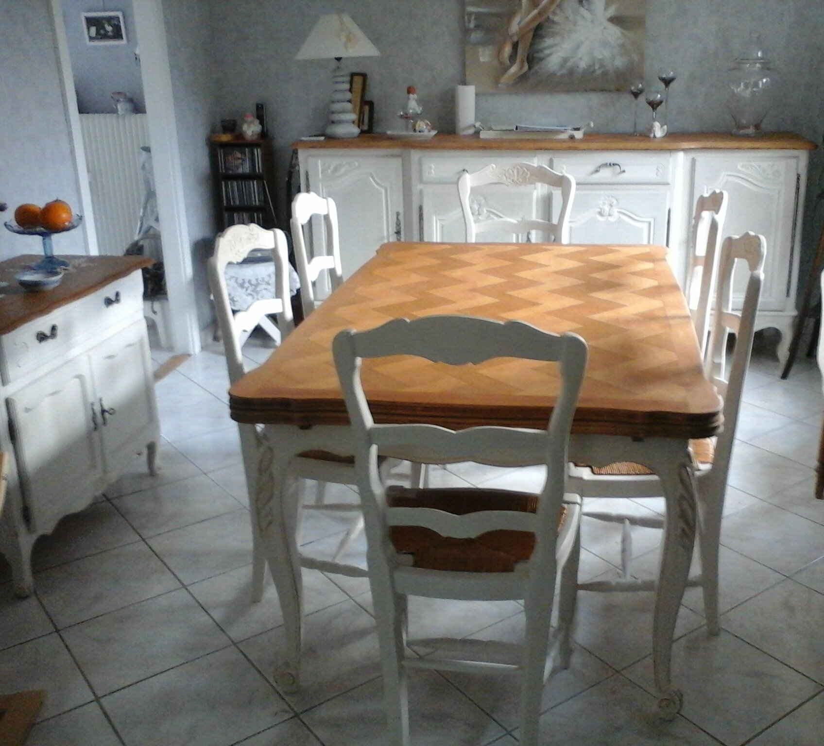Relooker une table en ch ne ou merisier table monast re richelieu ou louis 15 pr s de nancy for Peindre meuble bois en blanc