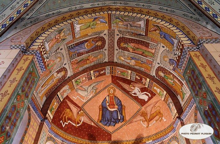 Fresques murales dans l'église de Saint-Créac !