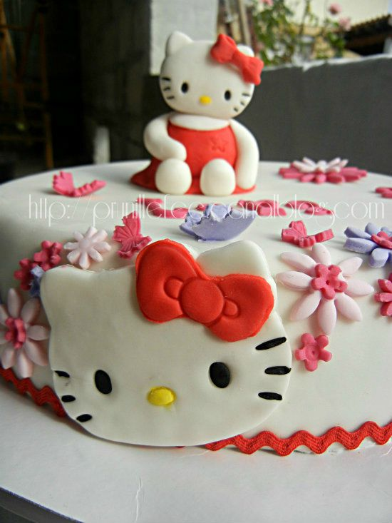 comment d corer gateau hello kitty. Black Bedroom Furniture Sets. Home Design Ideas