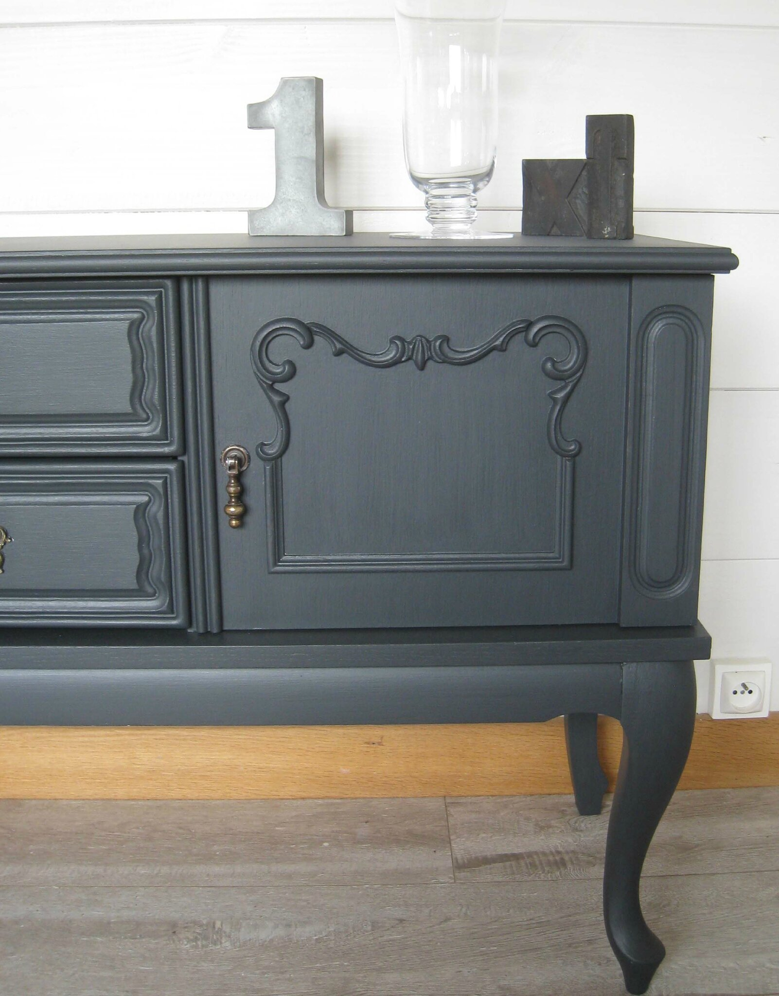 Renovation meuble ancien best grand buffet rouge ancien for Ceruser un meuble ancien