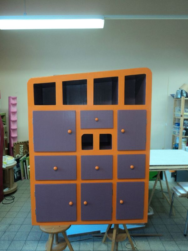 armoire en carton le show du carton. Black Bedroom Furniture Sets. Home Design Ideas