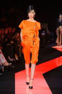 orangegiorgio-armani-prive-haute-couture-spring-2013-pfw25