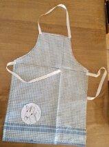 Faire un tablier de cuisine pour enfant la liraf bleue - Patron pour faire un tablier de cuisine ...