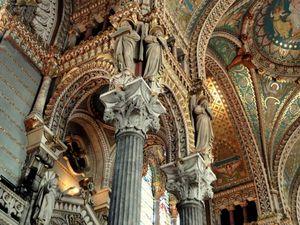 Interior_of_the_Basilique_Notre-Dame_de_Fourvière,_Lyon_-_DSC05538