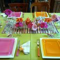 TABLE MULTI COULEURS