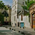 Pittoresque rue Saint-Julien le Pauvre.