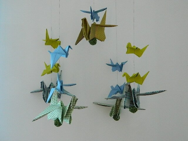Diy mobile origami pour tiloulou girly mama - Tuto grue origami ...