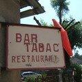 Bar sur la route enseigne