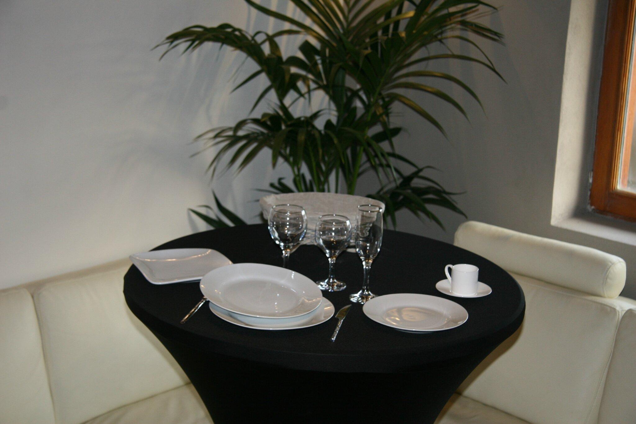 alsace vaisselle location vaisselle mobilier et nappage. Black Bedroom Furniture Sets. Home Design Ideas