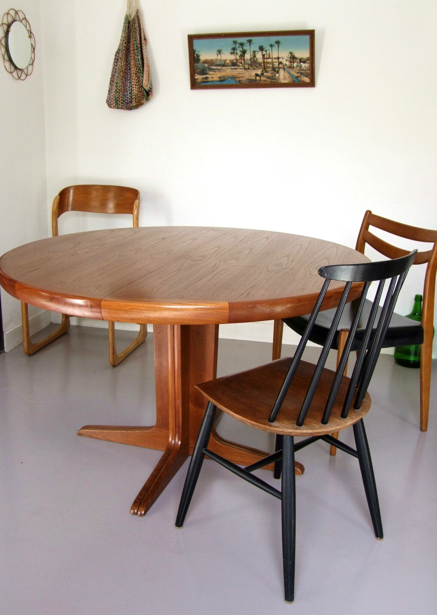 TABLE RONDE EXTENSIBLE SCANDINAVE Kofod  MEUBLES VINTAGE PATALUNA Chinés, dé -> Table Ronde Scandinave
