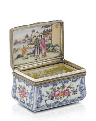 A_Chinese_famille_rose_silver_mounted_porcelain_rectangular_snuff_box__third_quarter_18th_century3