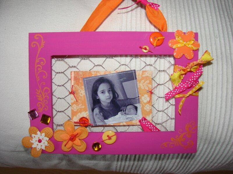 cadre petite fille photo de cadeaux de naissance histoire 2 coeurs. Black Bedroom Furniture Sets. Home Design Ideas