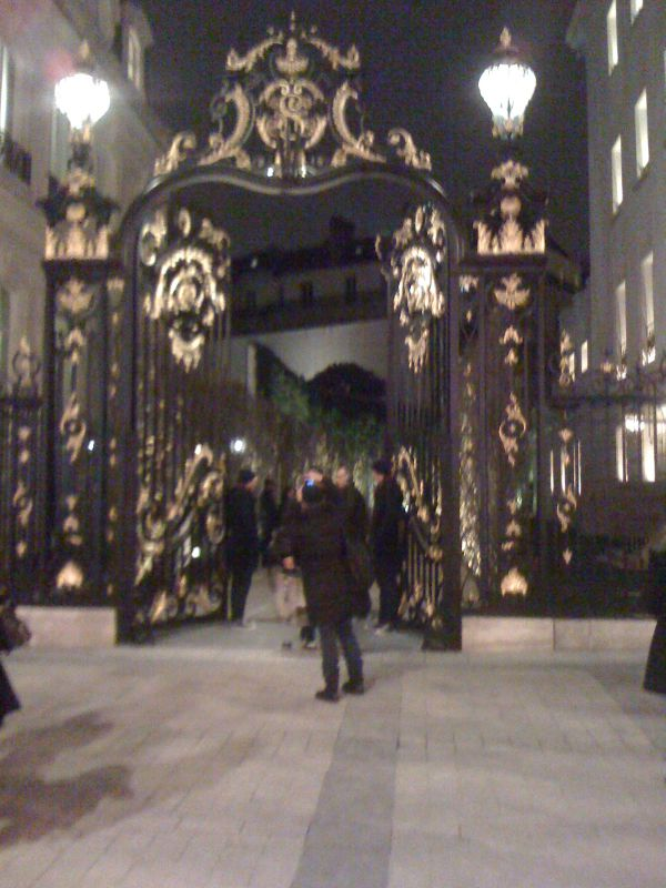 entrance to abercrombie on the champs elysees photo de a look at paris my life in paris. Black Bedroom Furniture Sets. Home Design Ideas