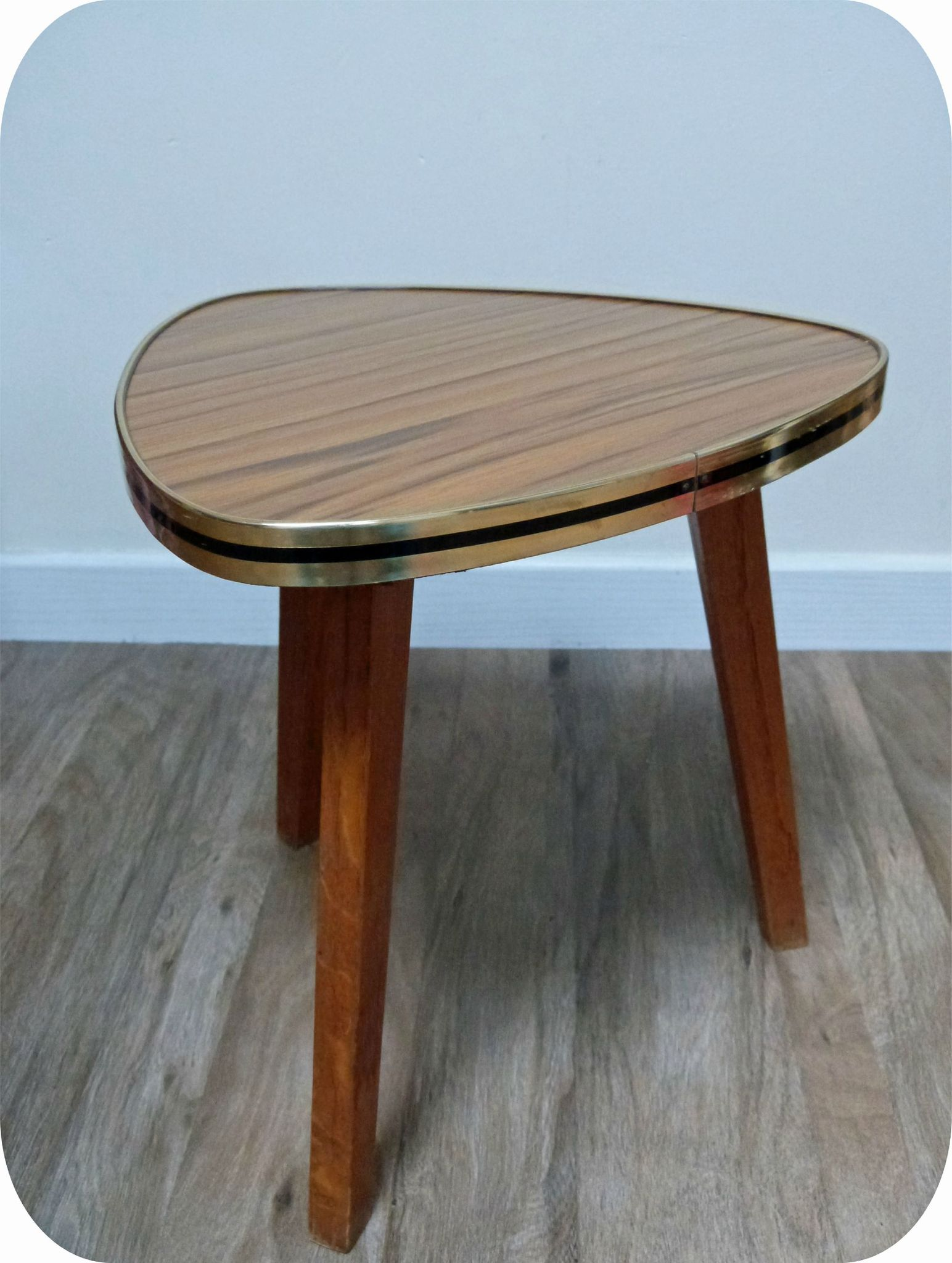 table tripode formica