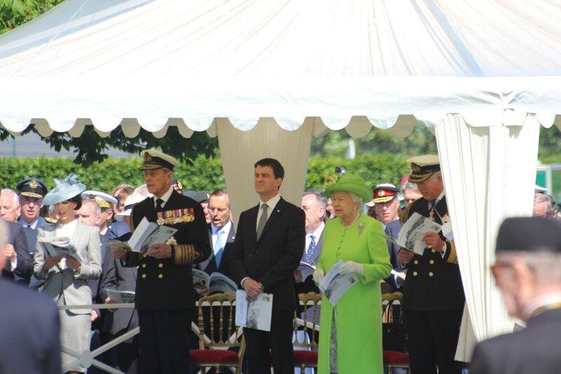 DDay D-Day Elisabeth II Manuel Valls Prince Philip Charles Bayeux cimetière militaire britannique War cemetery 6 juin 2014