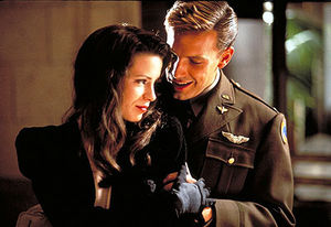 kate_beckinsale_ben_affleck_pearl_harbor_001
