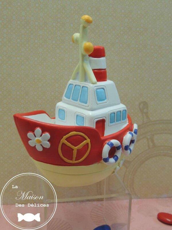 sujet enfant tirelire bateau theme bapteme navire mer bretagne ocean marin contenant dragees amande avola chocolat3