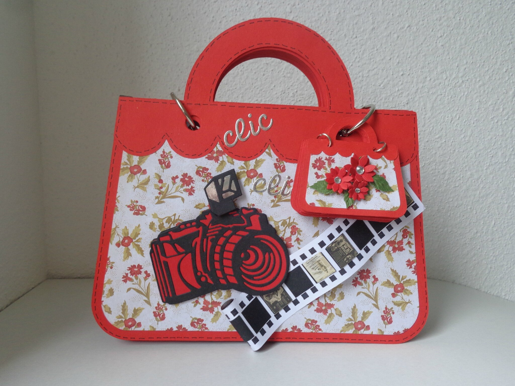 "Album photos ""sac à main rouge"""