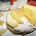 Rillettes de thon sur galettes de flocons d'avoine et pommes poelées
