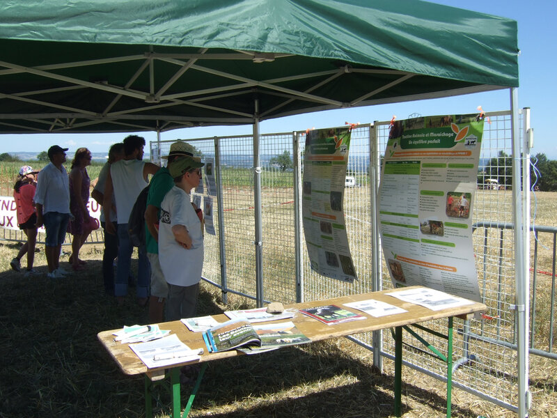 Stand information technique traction animale - Vinzieux 2016