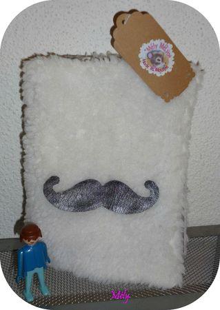 Housse Moustache