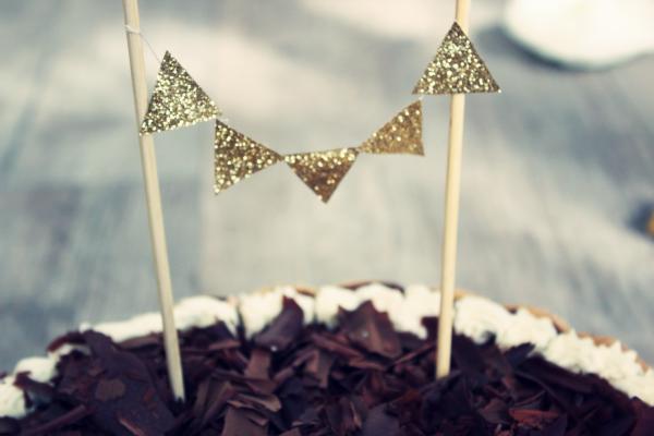 fanions pour gateau diy glitter anniversaire