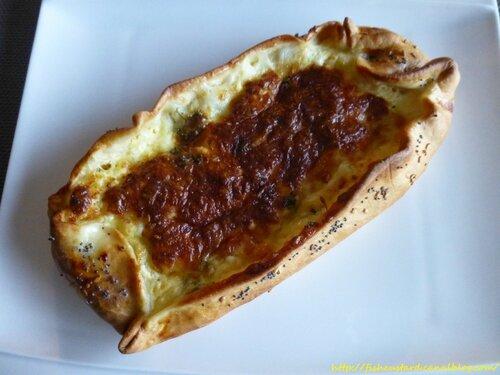 Peynirli Pide (25)