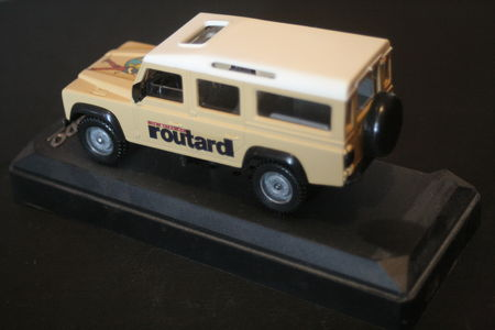 S_rie_sp_ciale_Land_Rover_Defender_Guide_du_Routard_02