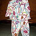 Pyjama décembre 2013 - taille 2 ans .