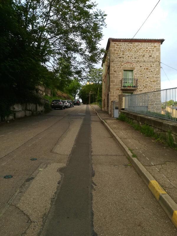 montée de la rue de la Pichelière