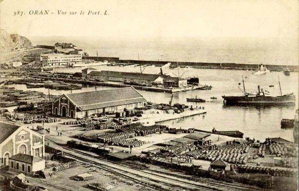 Oran- 135- travail sur les quais