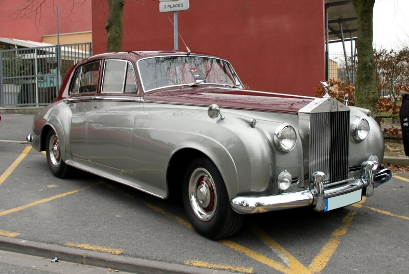 Rolls Royce silver cloud (23ème Salon Champenois du véhicule de collection) 01