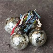 boules de noel antique smoke