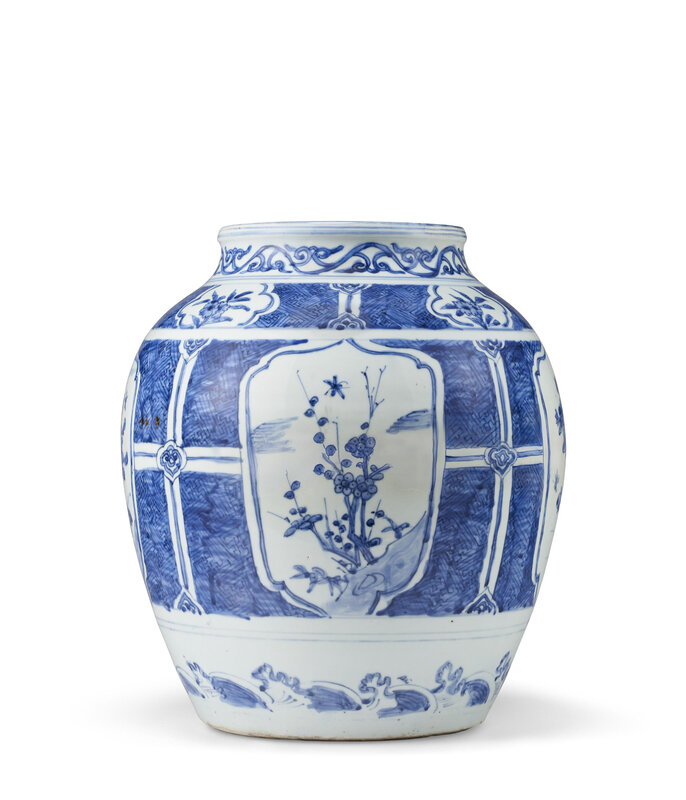A large blue and white jar, Late Ming dynasty