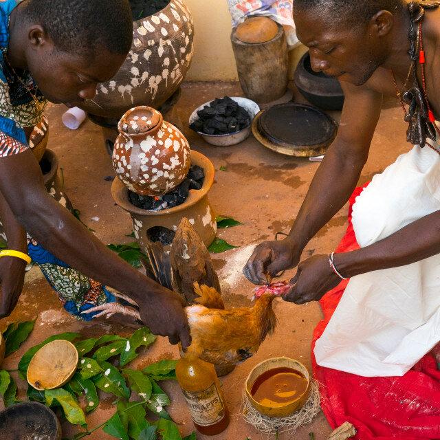 SORCIER MAÎTRE MARABOUT AFRICAIN GUÉRISSEUR TRADITIONNEL TRÈS PUISSANT DAAH SENOU