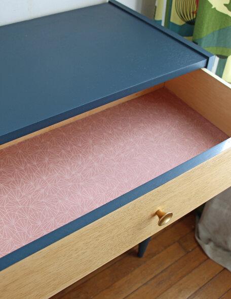 commode-placard-et-tiroirs-vintage-interieur