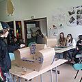 Stage de fabrication de meubles en carton avec les ados de La-Ba